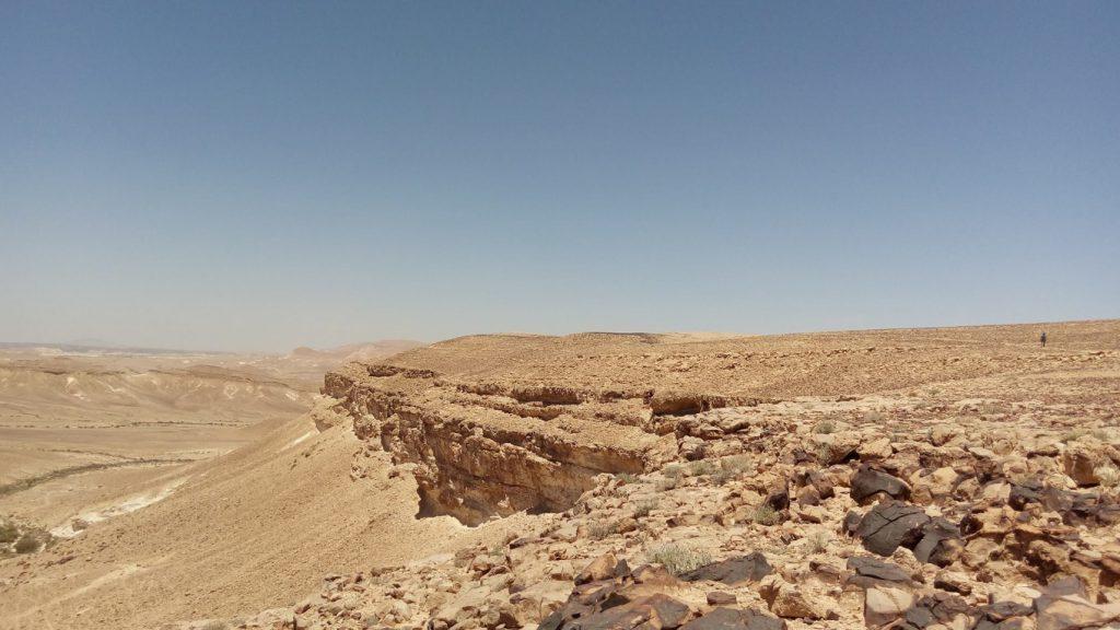 ネゲブ砂漠のカルコム山