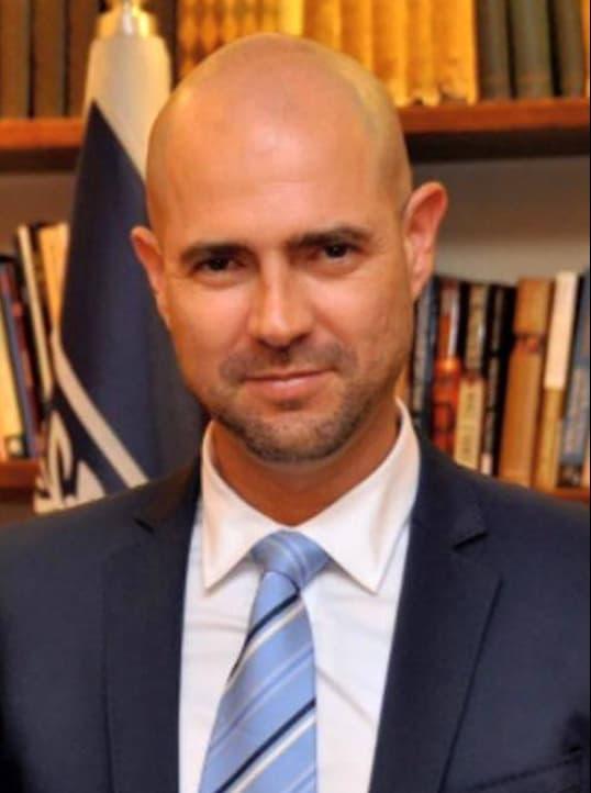 アミール・オハナ