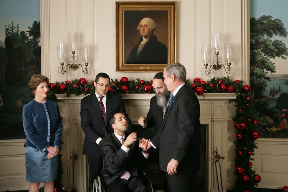 ジョージ・ブッシュ大統領(右)との面会