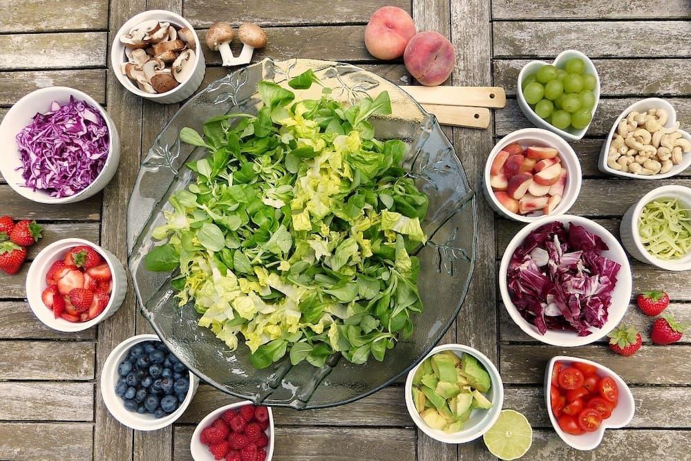 野菜とフルーツとサラダ